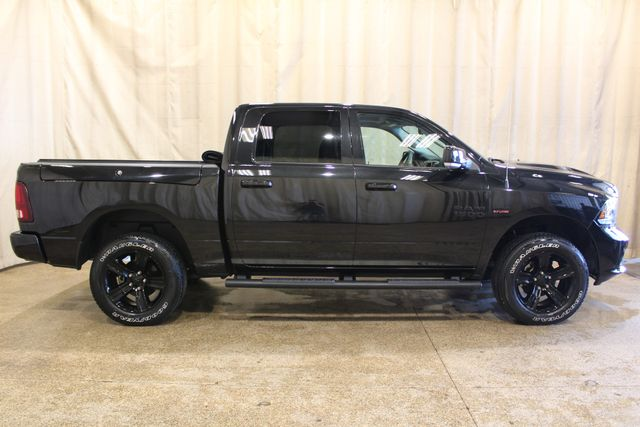 2017 Ram 4x4 1500 Night edition in Roscoe IL, 61073