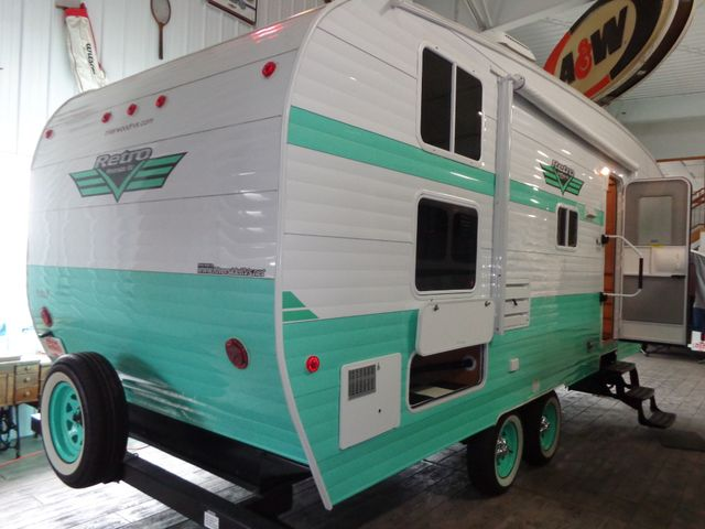 2017 Riverside Rv White Water Retro 526BH Mandan, North Dakota 15
