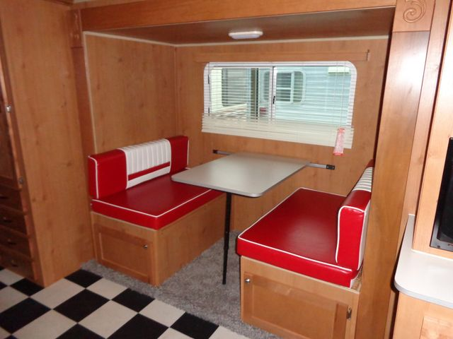 2017 Riverside Rv Retro 199FKS Mandan, North Dakota 11
