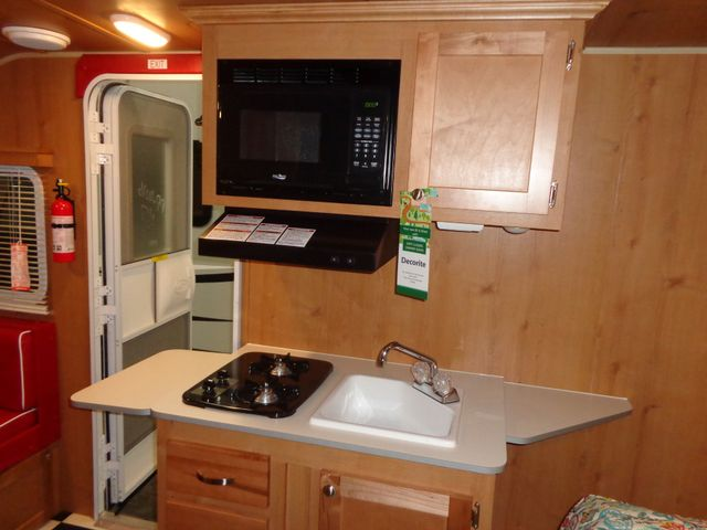 2017 Riverside Rv White Water Retro 177SE Mandan, North Dakota 9