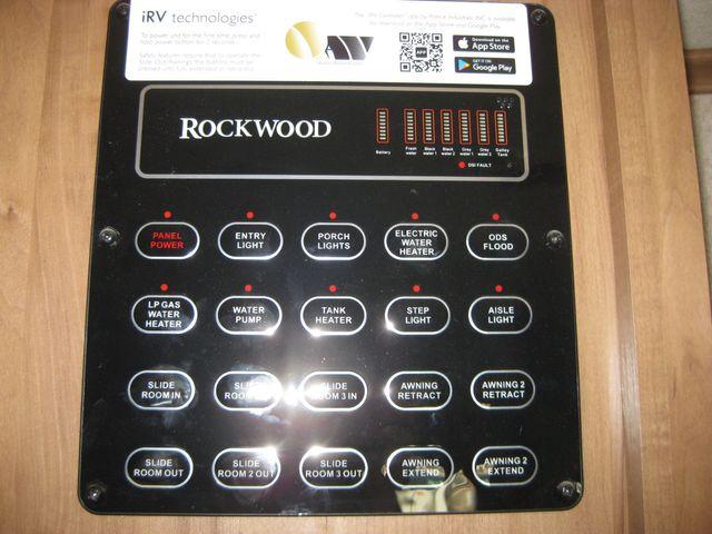 2017 Rockwood signature 8335BS Odessa, Texas 12
