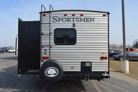 2017 Sportsmen M-322BHK  in Alexandria, Minnesota