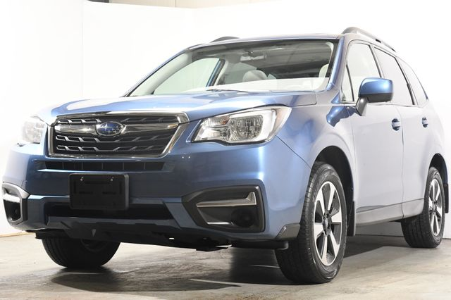 2017 Subaru Forester Premium w/ Sunroof/ Heated Seats