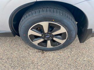 2017 Subaru Forester Limited Farmington, MN 13