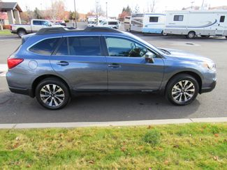 2017 Subaru Outback Limited 2.5i AWD Bend, Oregon 3
