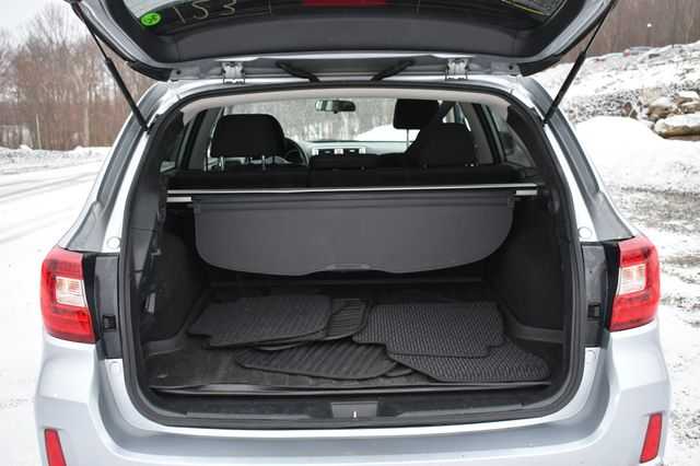 2017 Subaru Outback Premium Naugatuck, Connecticut 14