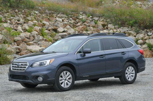 2017 Subaru Outback Premium AWD Naugatuck, Connecticut 2