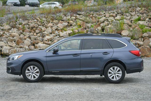 2017 Subaru Outback Premium AWD Naugatuck, Connecticut 3