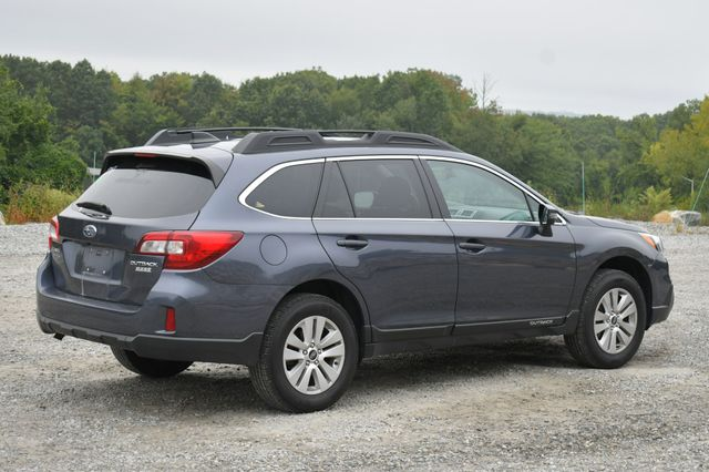2017 Subaru Outback Premium AWD Naugatuck, Connecticut 6
