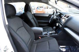 2017 Subaru Outback 2.5i Waterbury, Connecticut 18