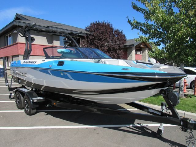 2017 Supreme Only 34 Hours! S211 Bend, Oregon 1