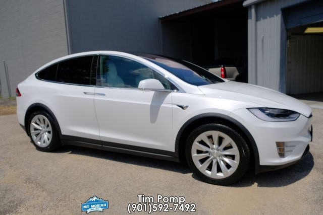 2017 Tesla Model X 100D W/3rd seat / self driving