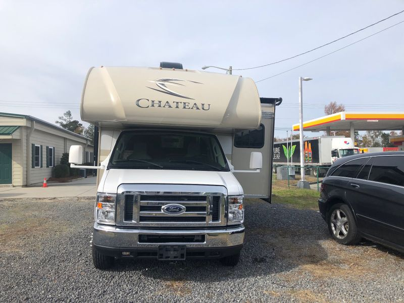 2017 Thor Chateau 24F Class C  in Charleston, SC