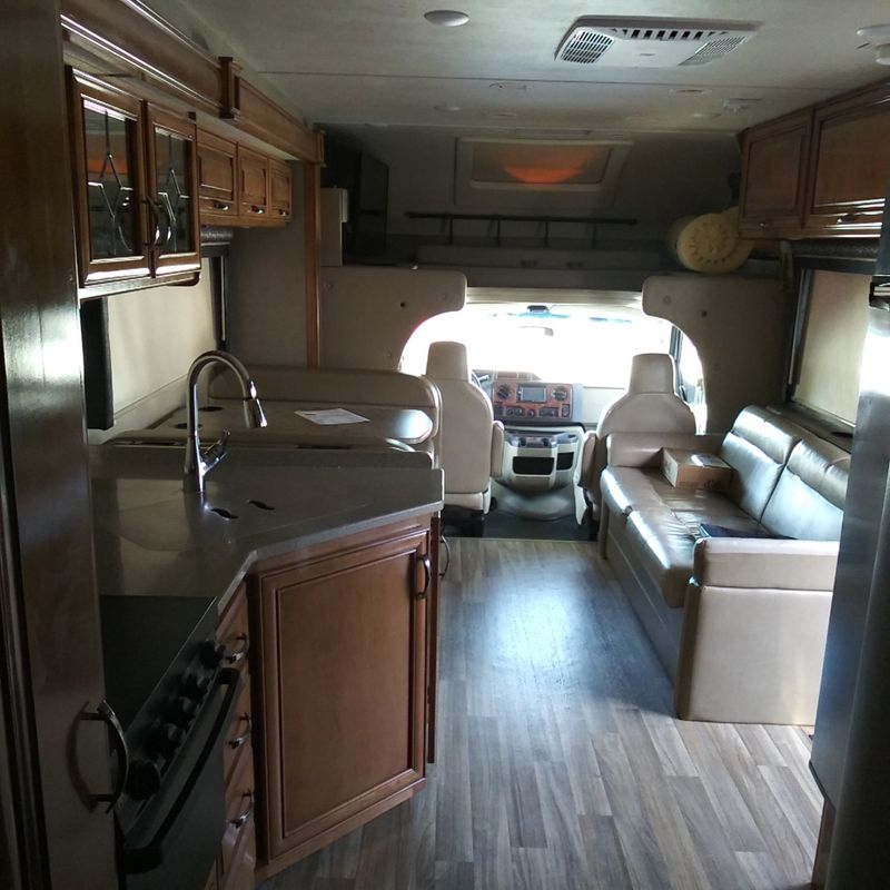 2017 Thor Quantam WS31  city FL  Manatee RV  in Palmetto, FL