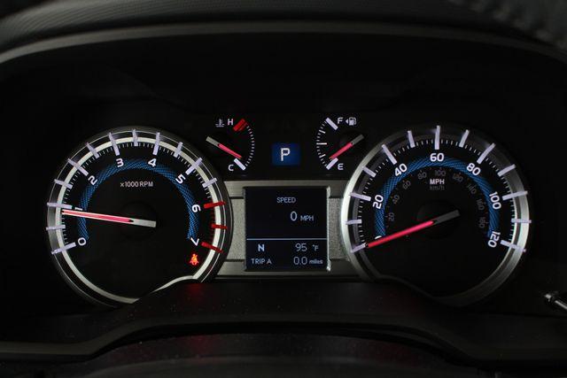 2017 Toyota 4Runner SR5 Premium 4X4 - NAV - SUNROOF - HEATED LEATHER! Mooresville , NC 9
