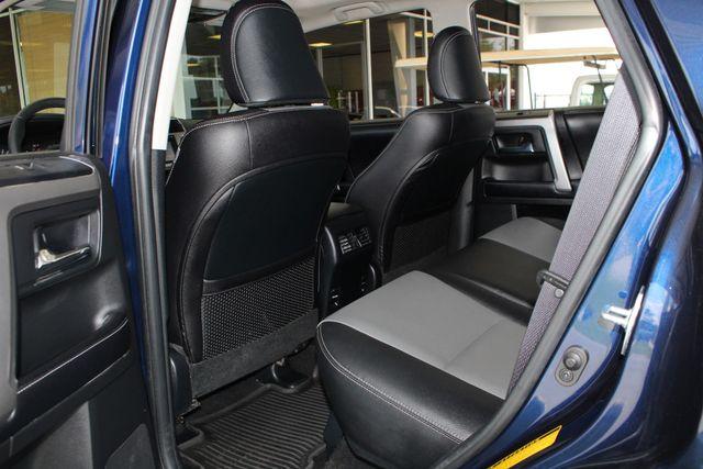 2017 Toyota 4Runner SR5 Premium 4X4 - NAV - SUNROOF - HEATED LEATHER! Mooresville , NC 39