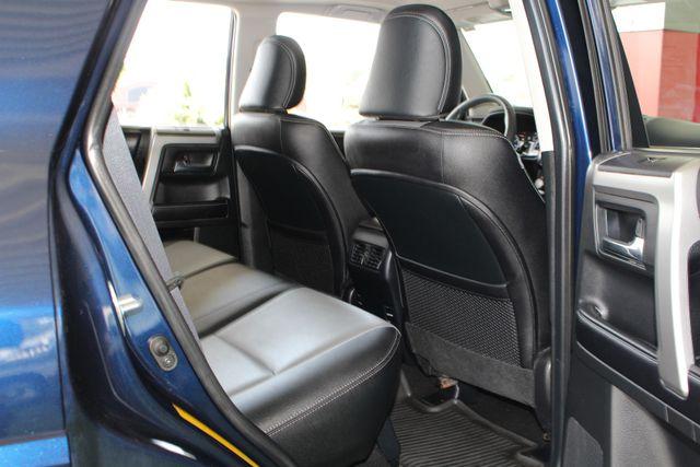 2017 Toyota 4Runner SR5 Premium 4X4 - NAV - SUNROOF - HEATED LEATHER! Mooresville , NC 40