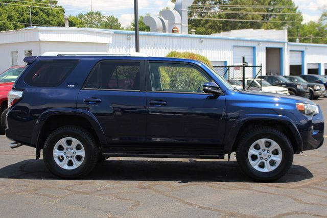 2017 Toyota 4Runner SR5 Premium 4X4 - NAV - SUNROOF - HEATED LEATHER! Mooresville , NC 16