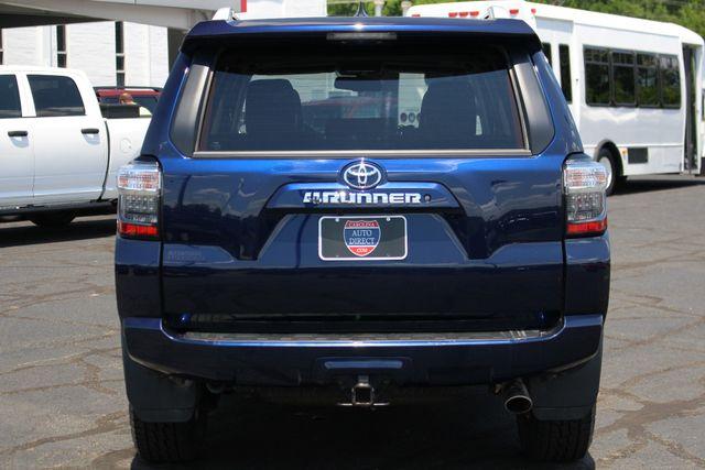 2017 Toyota 4Runner SR5 Premium 4X4 - NAV - SUNROOF - HEATED LEATHER! Mooresville , NC 19