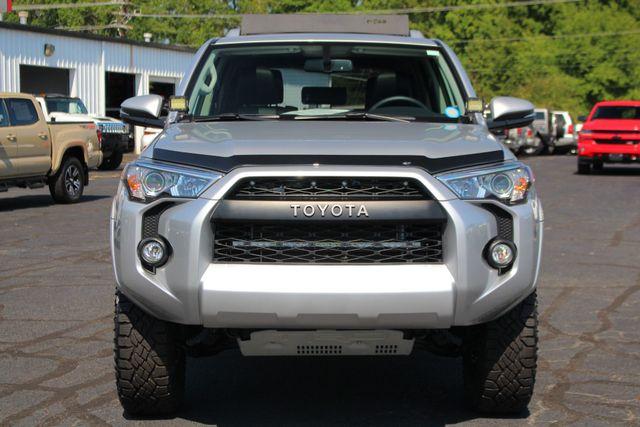 2017 Toyota 4Runner SR5 Premium 4x4 - LIFTED - EXTRA$ - NAV - SUNROOF! Mooresville , NC 18