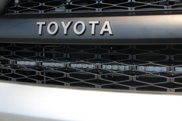 2017 Toyota 4Runner SR5 Premium 4x4 - LIFTED - EXTRA$ - NAV - SUNROOF! Mooresville , NC 34
