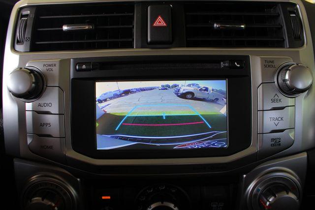 2017 Toyota 4Runner SR5 Premium 4x4 - LIFTED - EXTRA$ - NAV - SUNROOF! Mooresville , NC 41