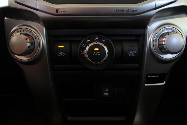 2017 Toyota 4Runner SR5 Premium 4x4 - LIFTED - EXTRA$ - NAV - SUNROOF! Mooresville , NC 43