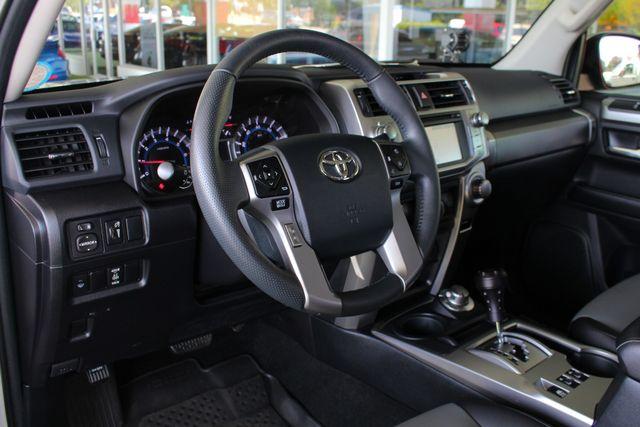2017 Toyota 4Runner SR5 Premium 4x4 - LIFTED - EXTRA$ - NAV - SUNROOF! Mooresville , NC 36