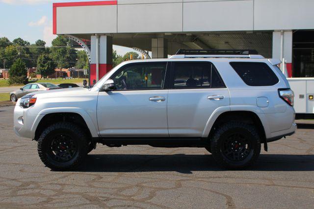 2017 Toyota 4Runner SR5 Premium 4x4 - LIFTED - EXTRA$ - NAV - SUNROOF! Mooresville , NC 17