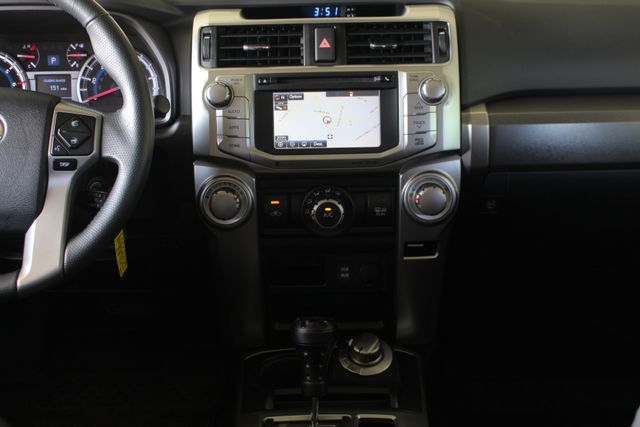 2017 Toyota 4Runner SR5 Premium 4x4 - LIFTED - EXTRA$ - NAV - SUNROOF! Mooresville , NC 10