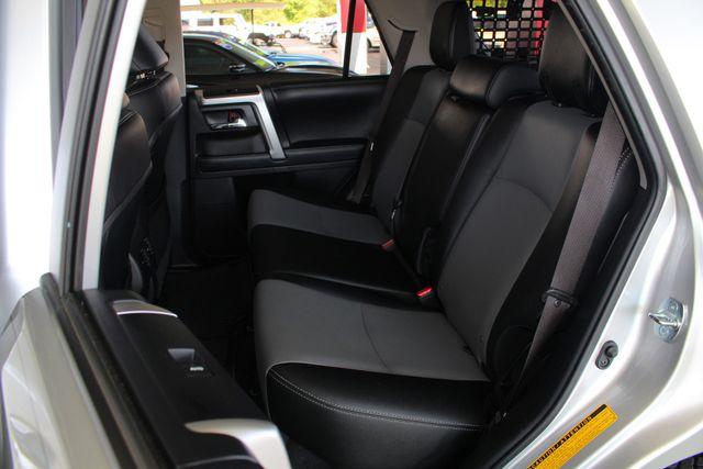 2017 Toyota 4Runner SR5 Premium 4x4 - LIFTED - EXTRA$ - NAV - SUNROOF! Mooresville , NC 11