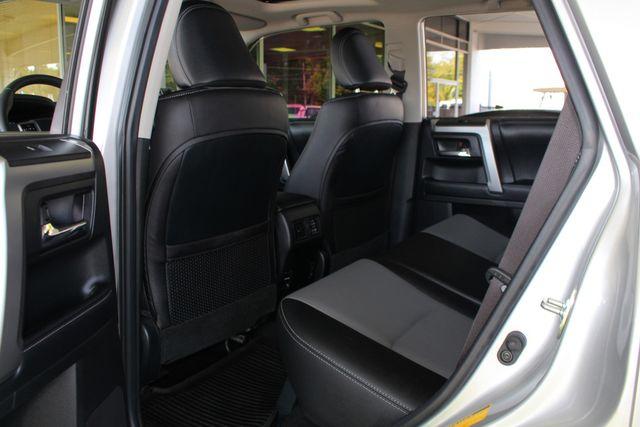 2017 Toyota 4Runner SR5 Premium 4x4 - LIFTED - EXTRA$ - NAV - SUNROOF! Mooresville , NC 47