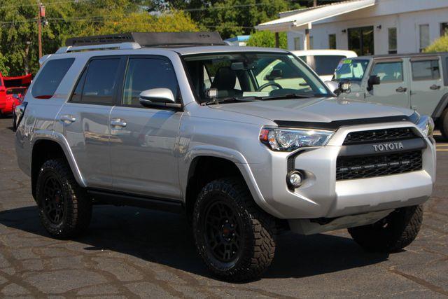 2017 Toyota 4Runner SR5 Premium 4x4 - LIFTED - EXTRA$ - NAV - SUNROOF! Mooresville , NC 23