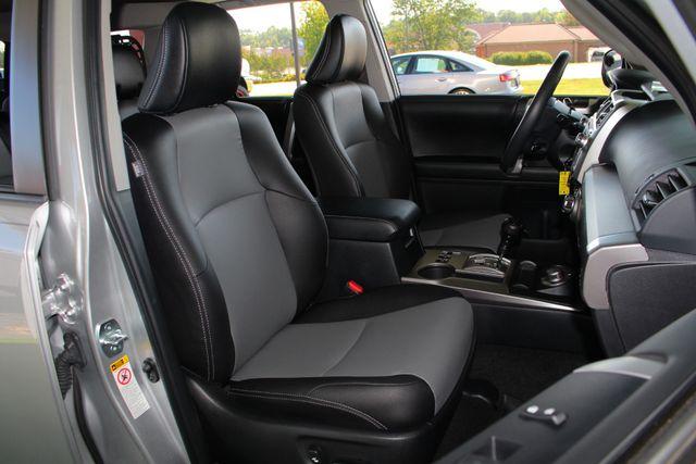 2017 Toyota 4Runner SR5 Premium 4x4 - LIFTED - EXTRA$ - NAV - SUNROOF! Mooresville , NC 15