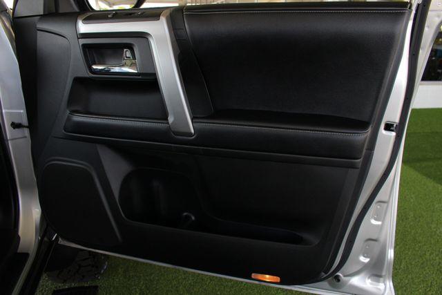 2017 Toyota 4Runner SR5 Premium 4x4 - LIFTED - EXTRA$ - NAV - SUNROOF! Mooresville , NC 53