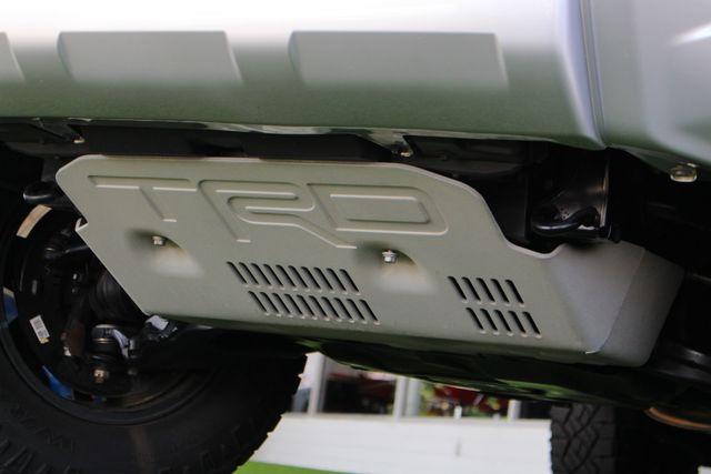 2017 Toyota 4Runner SR5 Premium 4x4 - LIFTED - EXTRA$ - NAV - SUNROOF! Mooresville , NC 31