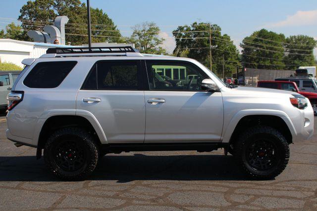 2017 Toyota 4Runner SR5 Premium 4x4 - LIFTED - EXTRA$ - NAV - SUNROOF! Mooresville , NC 16