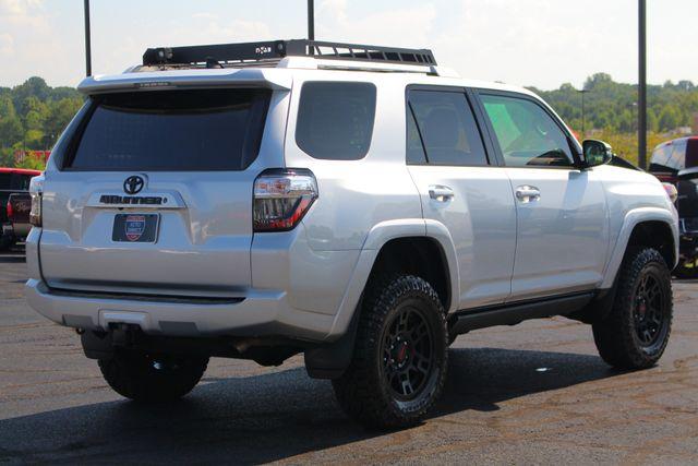 2017 Toyota 4Runner SR5 Premium 4x4 - LIFTED - EXTRA$ - NAV - SUNROOF! Mooresville , NC 25