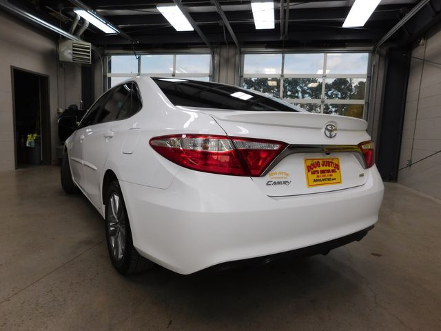 2017 Toyota Camry SE in Airport Motor Mile ( Metro Knoxville ), TN 37777