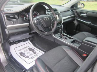 2017 Toyota Camry SE Batesville, Mississippi 20