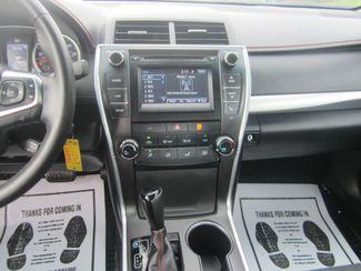 2017 Toyota Camry SE Batesville, Mississippi 22