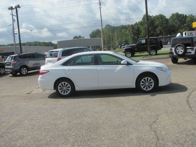 2017 Toyota Camry LE Dickson, Tennessee 1