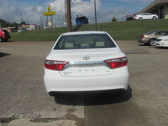 2017 Toyota Camry LE Dickson, Tennessee 3