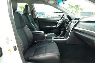 2017 Toyota Camry SE Hialeah, Florida 36