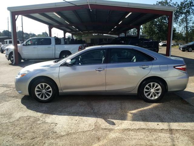 2017 Toyota Camry LE Houston, Mississippi 3