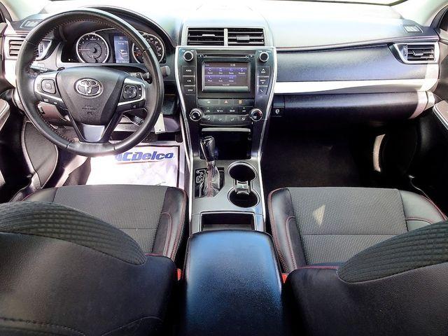 2017 Toyota Camry SE Madison, NC 32