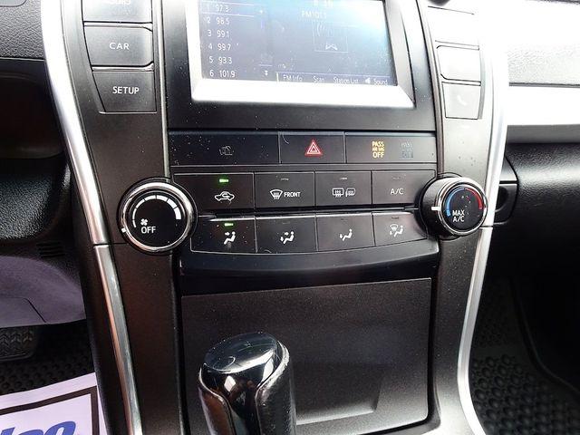 2017 Toyota Camry SE Madison, NC 19