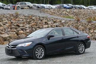 2017 Toyota Camry Hybrid XLE Naugatuck, Connecticut