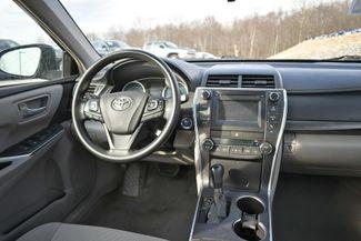 2017 Toyota Camry Hybrid LE Naugatuck, Connecticut 12
