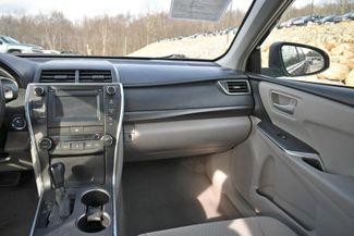 2017 Toyota Camry Hybrid LE Naugatuck, Connecticut 14